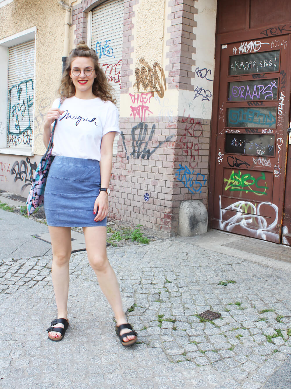 onimos clothing