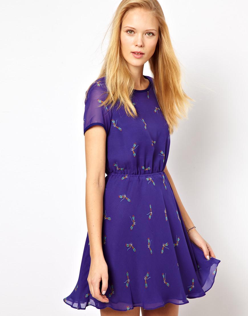 alles gleich: blaue kleider mit libellenprint - made of