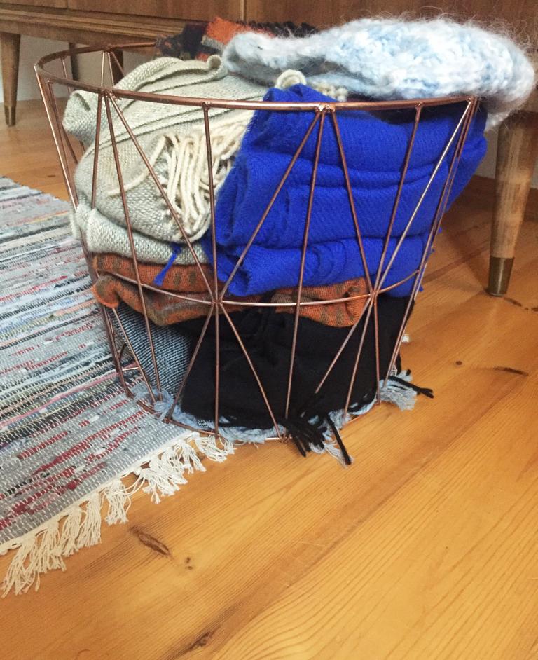 december newies mit kay bojesen und garrett leight u a. Black Bedroom Furniture Sets. Home Design Ideas