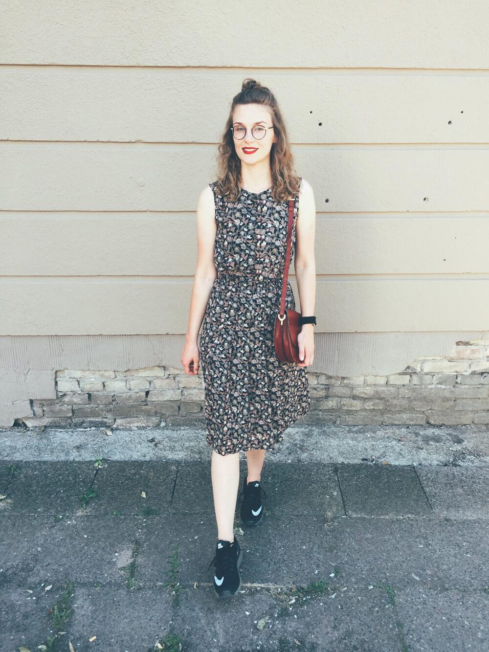 V Vintage Blumen Kleid