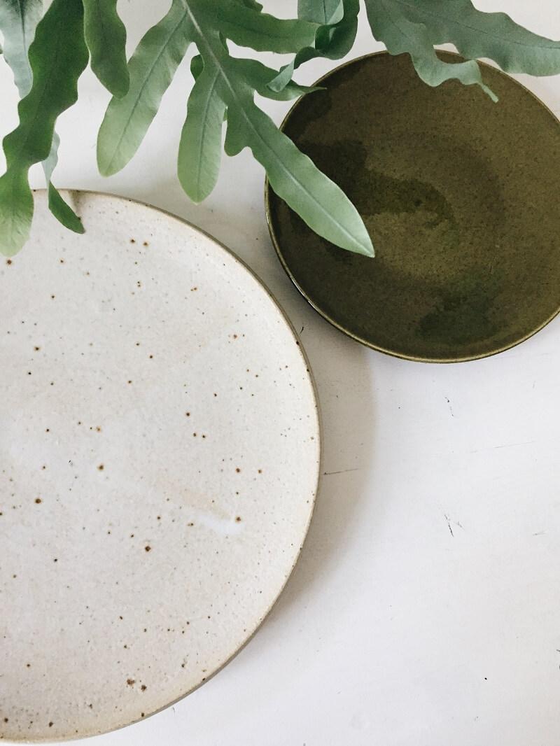 New In: Flohmarkt Funde - Keramik, Streifenshirts & Korbtasche