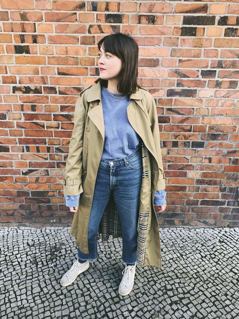 Oversized Sweatshirt & Vintage Jeans