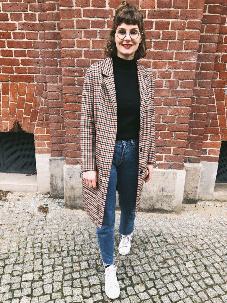 outfit-mantel-kariert