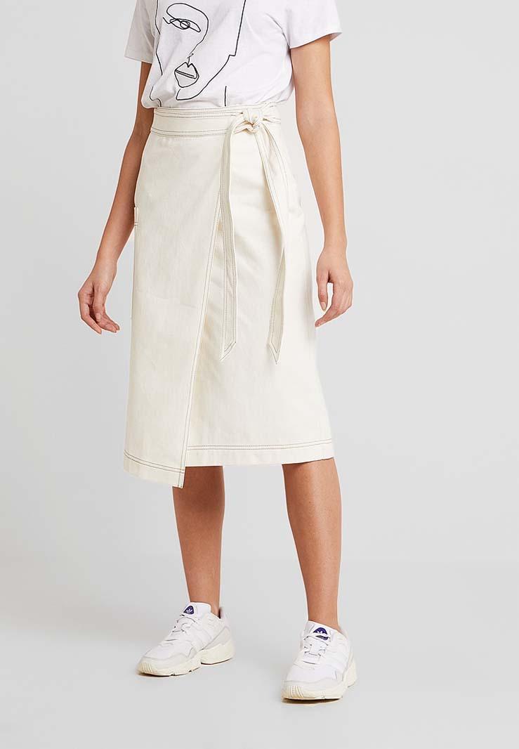 Die schönsten Wickelkleider & - röcke für den Sommer