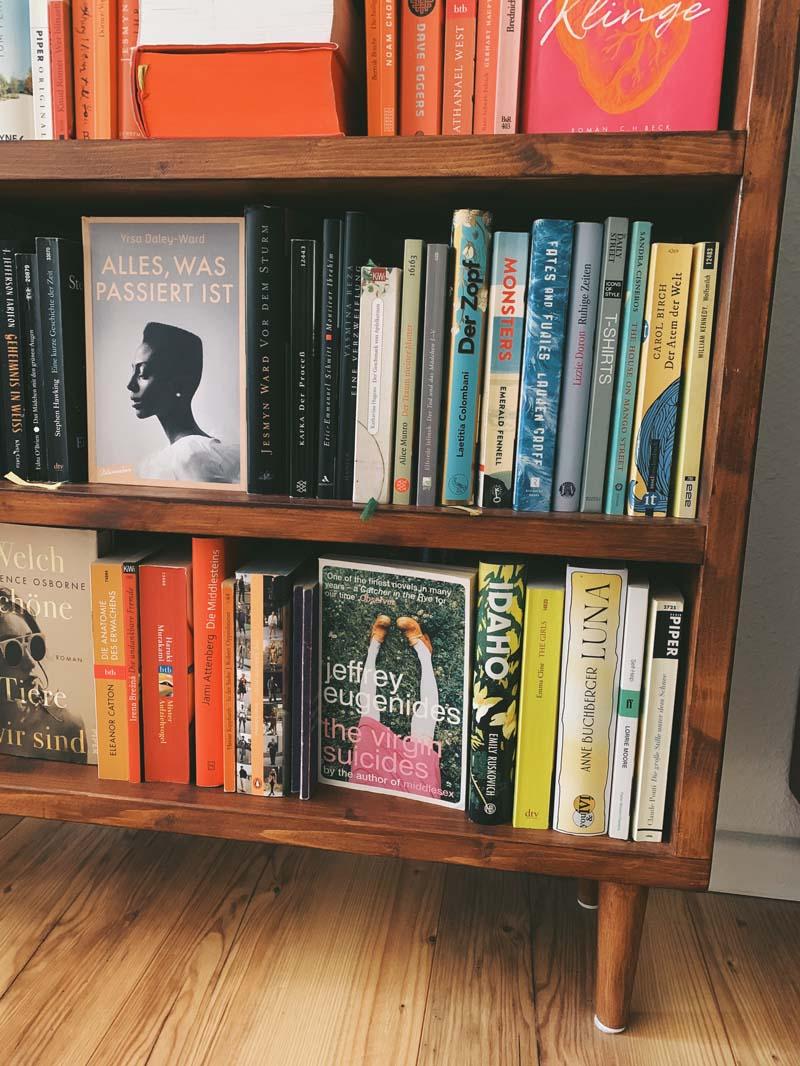 INTERIEUR // Bücherregale sortieren