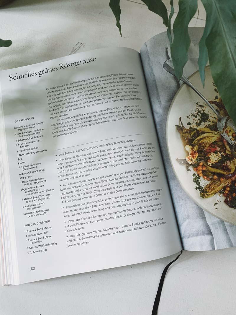 The Modern Cook's Year von Anna Jones